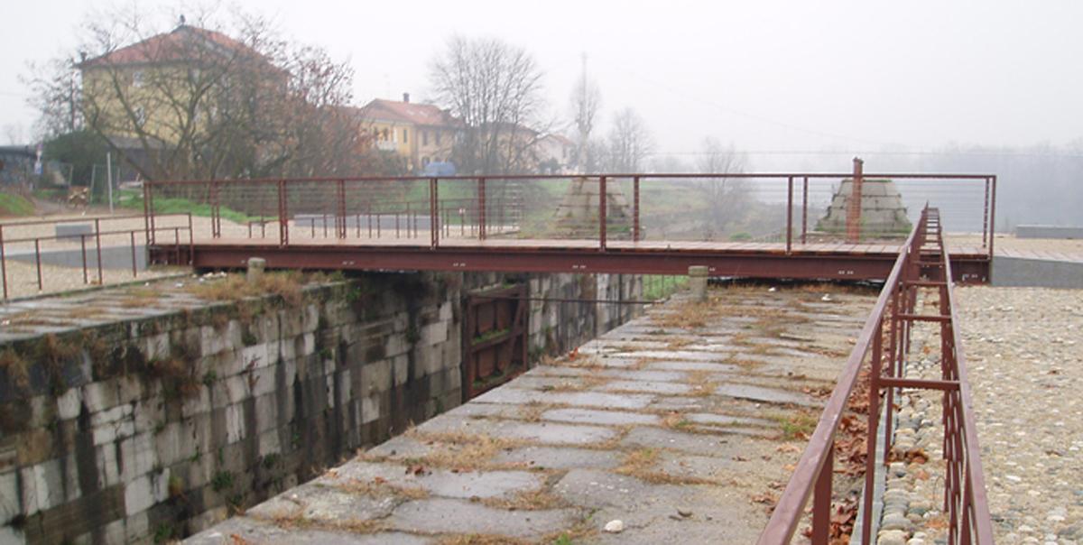 Recupero dell'area monumentale del Naviglio Pavese / Design project reuse of the monumental area of the Naviglio Pavese, Comune di Pavia, Pavia, 2007