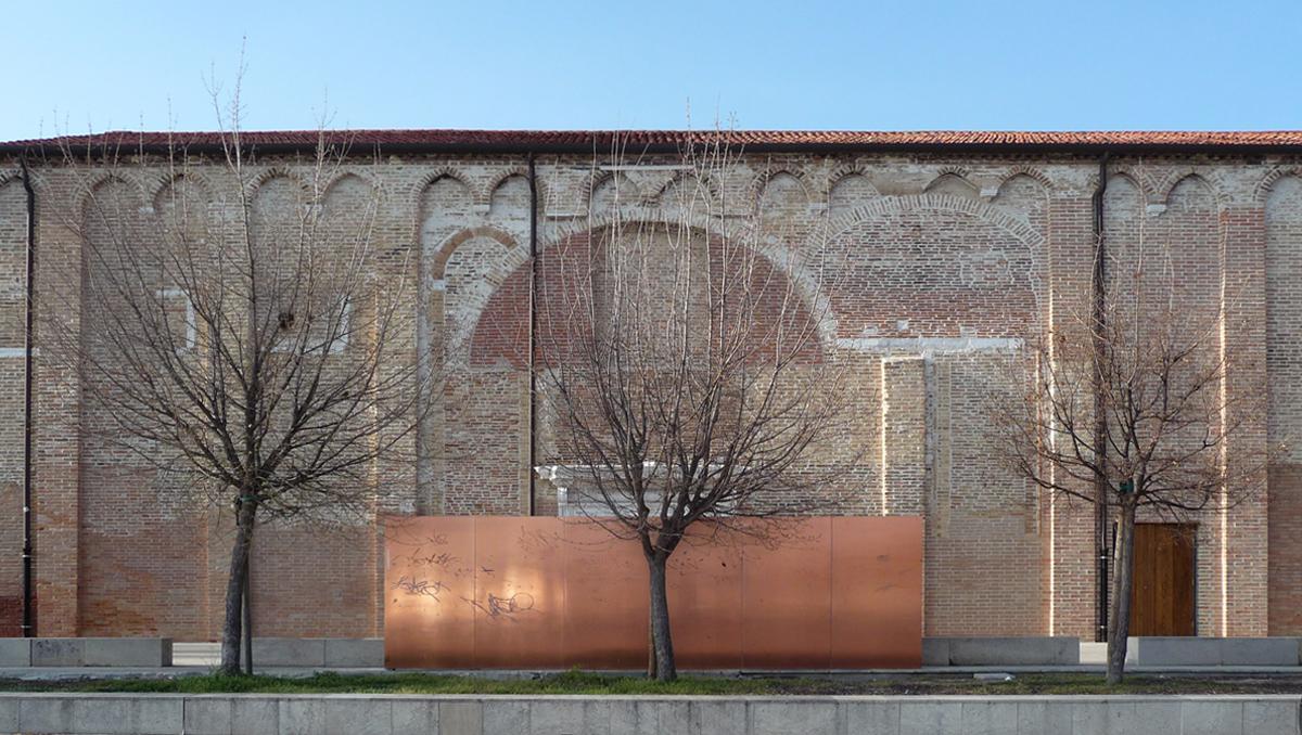 """""""Copper Wall"""" disegno area esterna Santa Marta / redesign of the outdoor areas in Santa Marta, Autorità Portuale, Venezia, 2007"""